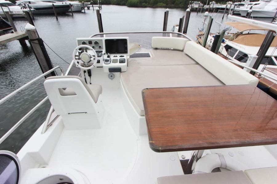Flybridge Helm with Large Sunpad to Starboard