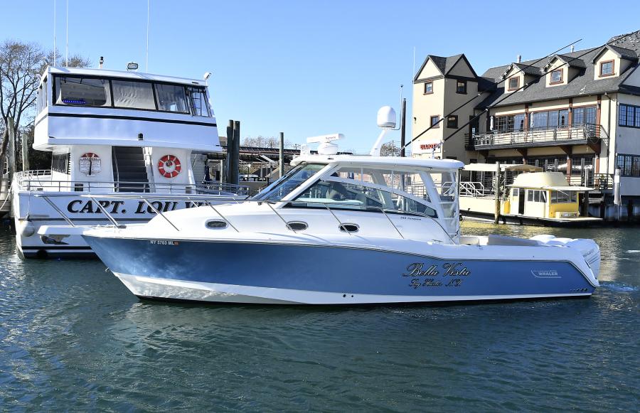 Boston Whaler-345 Conquest 2016-Bella Vista Freeport-New York-United States-Port Side-1275476-featured