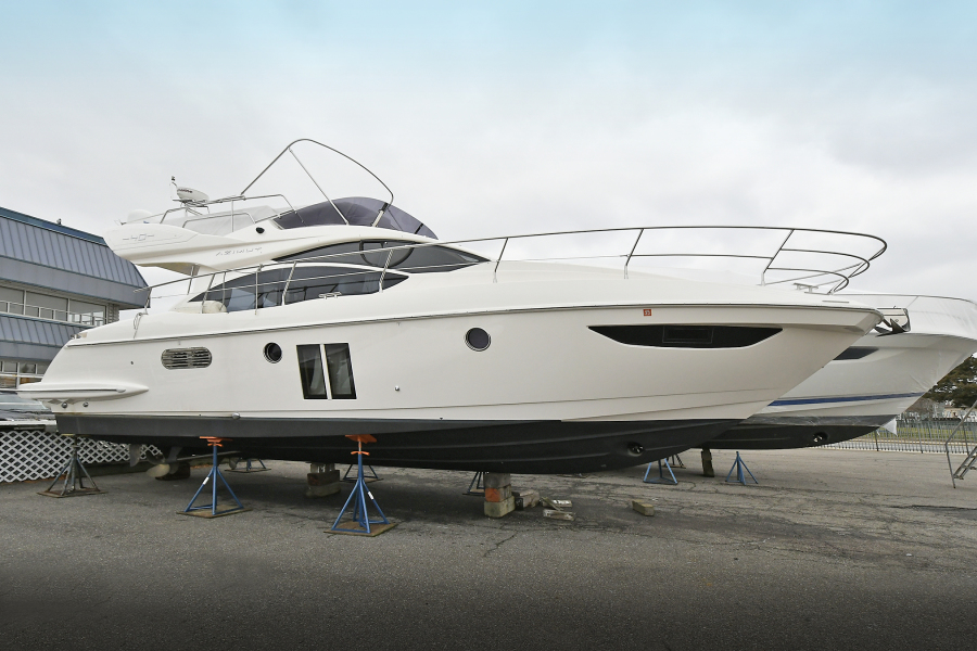 Azimut-40 Fly  2012 -Freeport-New York-United States-Starboard Side-1290203-featured