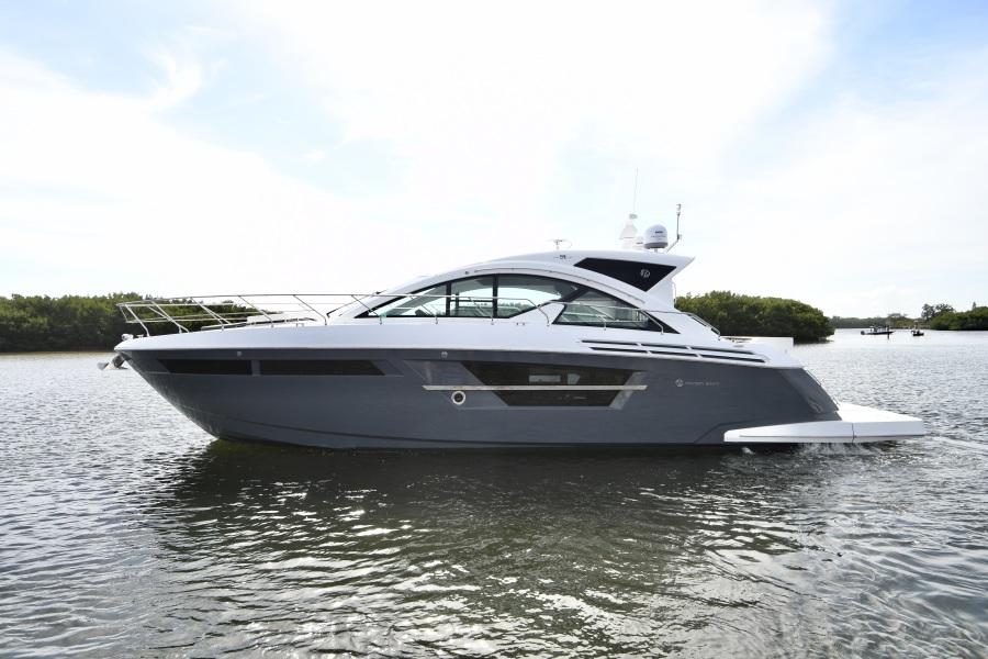 2018 Cruisers 54 Cantius Port Profile