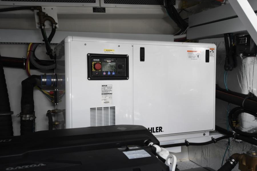 2018 Cruisers 54 Cantius Engine Room