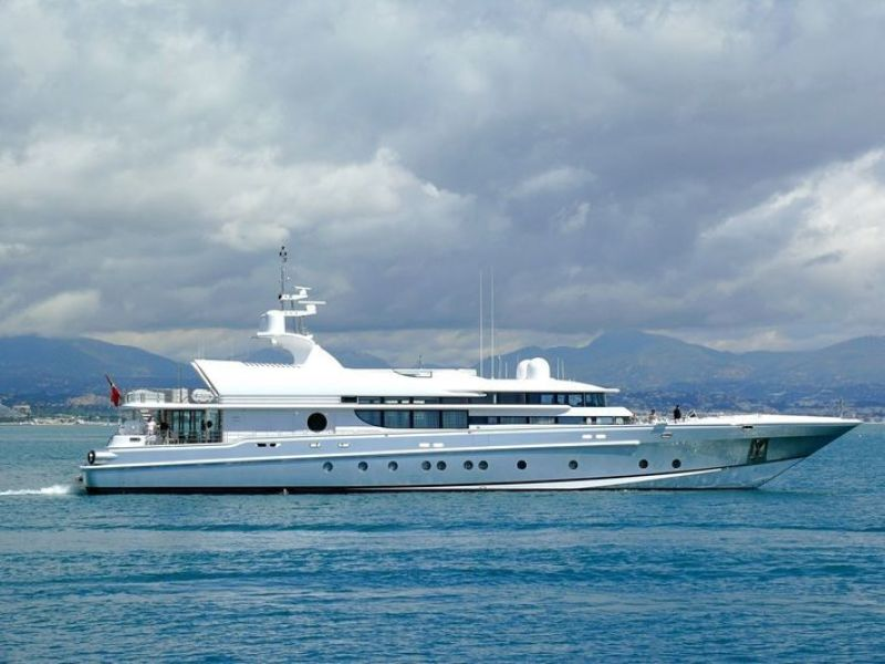 photo of 164' Oceanfast 1998
