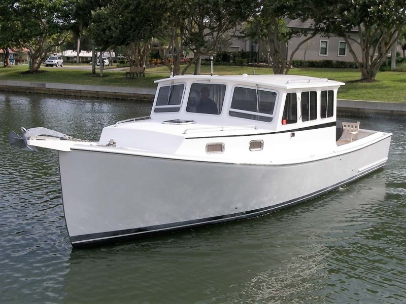 photo of 33' Crowley-Beal 33 2004