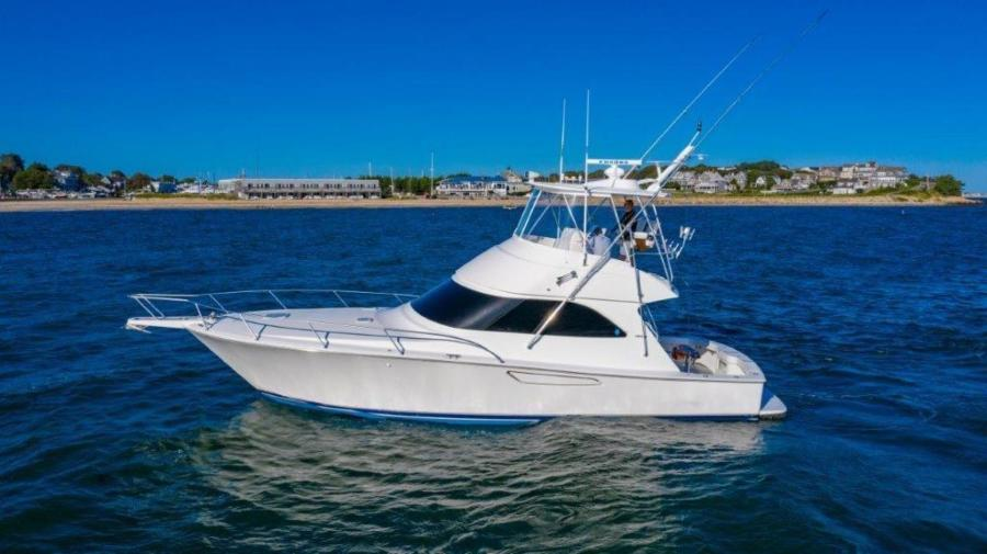 photo of 42' Viking 42 Convertible 2012