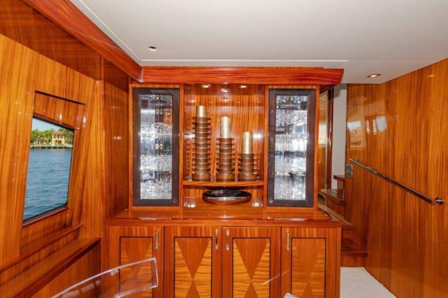 Salon China Cabinet