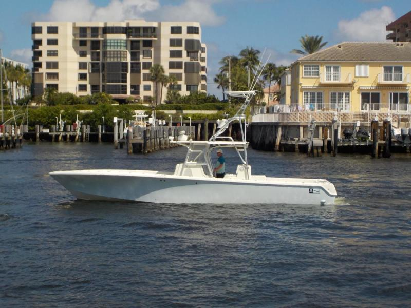 Photo of 39' SeaVee 39 CENTER CONSOLE 2011