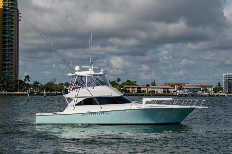 photo of 52' Viking 52 Convertible 2002