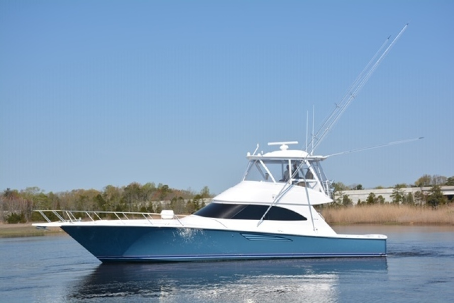 photo of 52' Viking 52 Convertible 2015