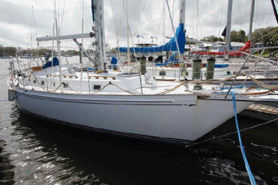 Photo of 44' Brewer 1989