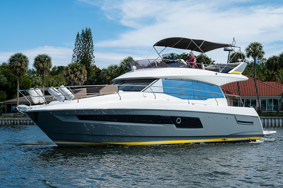 Prestige-460 Flybridge 2018-SEAQUEL Palm Beach Gardens-Florida-United States-Port Side -1351133-featured