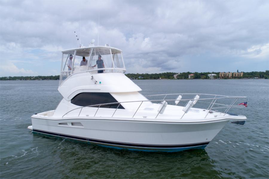 photo of 42' Riviera 42 Convertible 2008