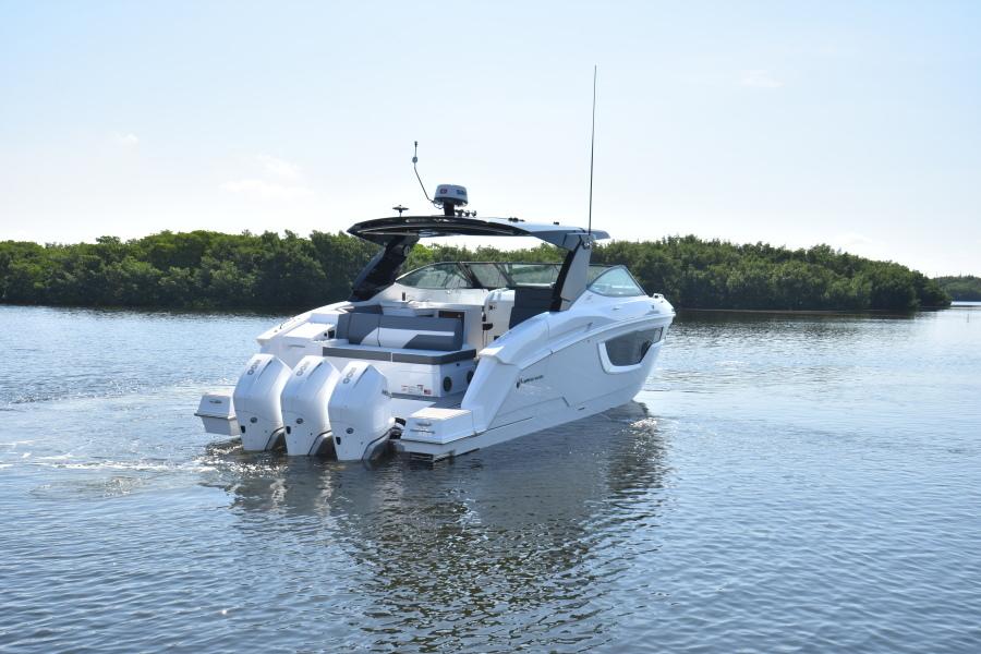 2020 Cruisers 38 GLS - Profile