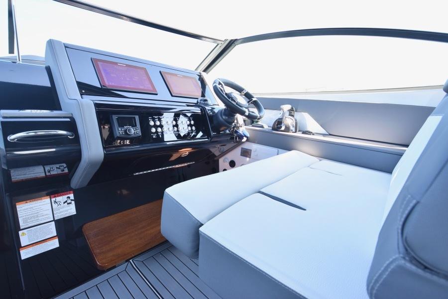 2020 Cruisers 38 GLS - Helm Seating