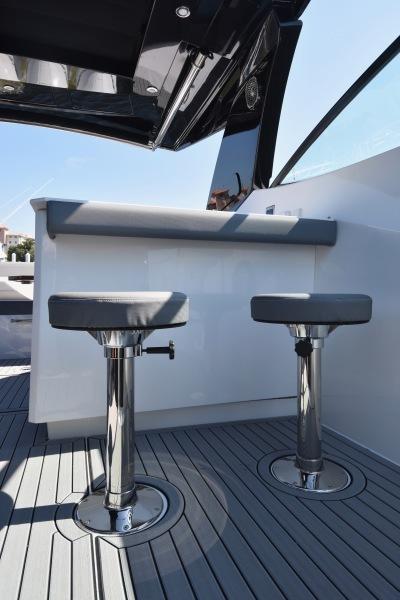 2020 Cruisers 38 GLS - Bar Stools