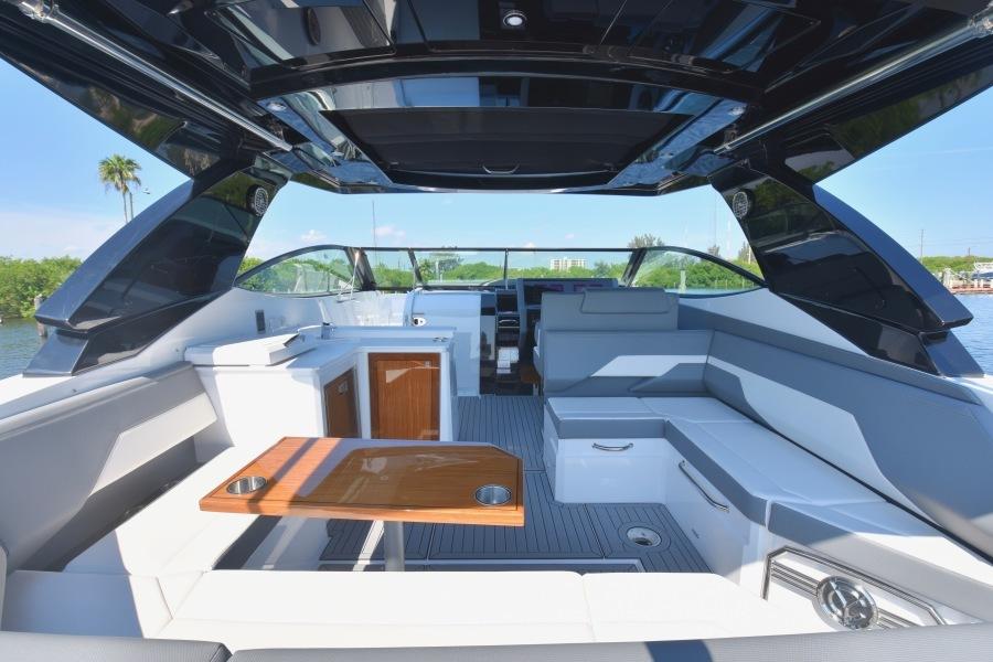 2020 Cruisers 38 GLS - Cockpit Table