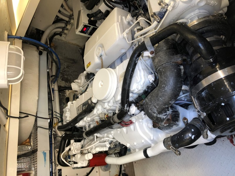 2007 33 Rampage   Engine Room (2)