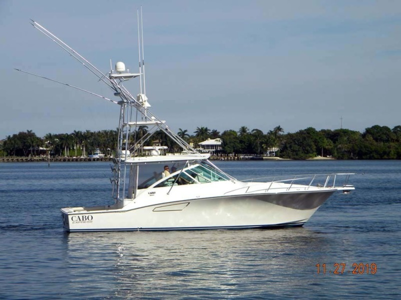 photo of 40' Cabo 40 Express SF 2009
