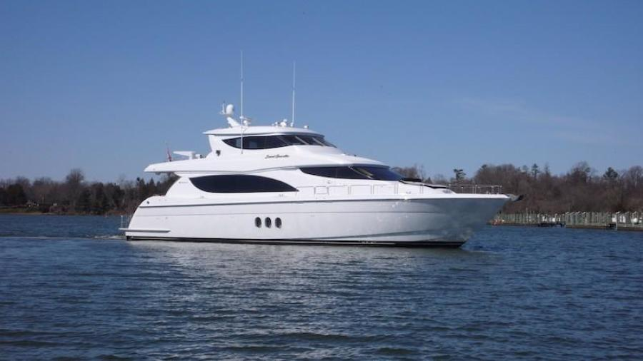 photo of 80' Hatteras Sky Lounge Motor Yacht 2005