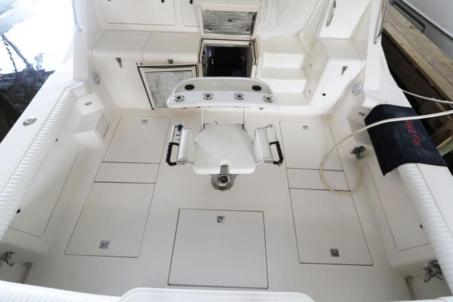 1997 45 Cabo Express - Cockpit