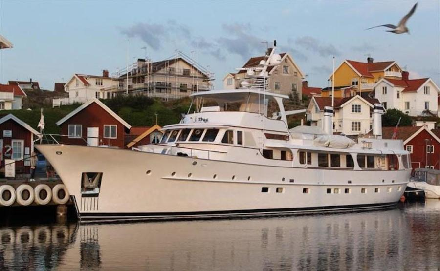 photo of 108' Feadship 1970
