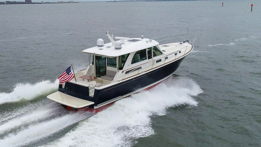 Photo of 45' Sabre 45 Salon Express 2018