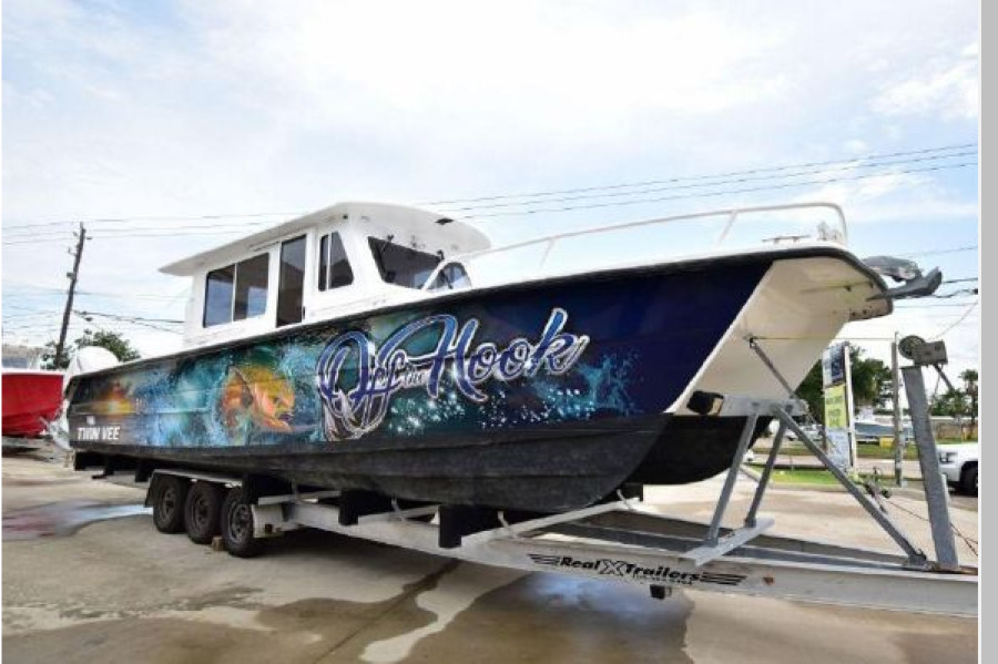 Twin Vee-36 Pilothouse 2011-Off the Hook Palm Harbor-Florida-United States-1390024-featured