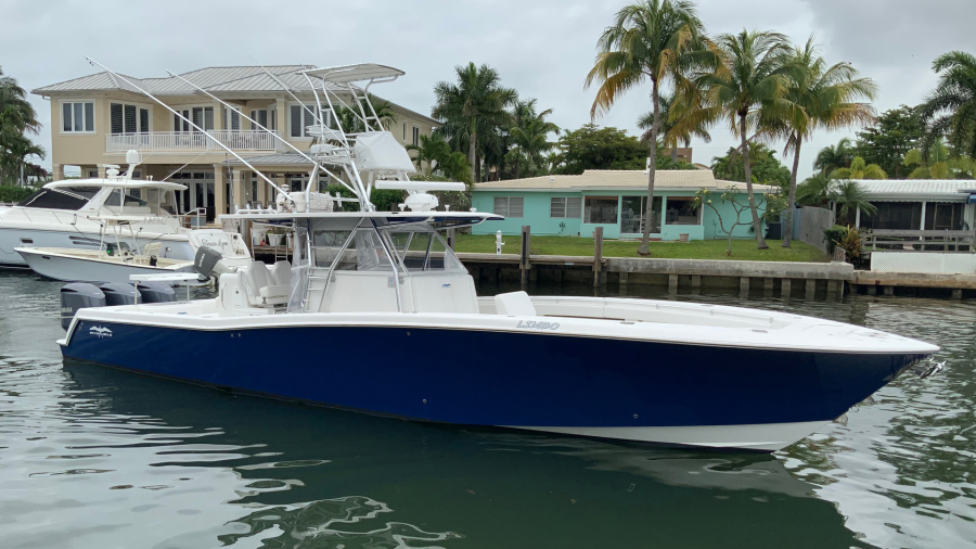 Invincible-42 CC w/SeaKeeper 2013-Tender Delray Beach-Florida-United States-Profile-1450311-featured