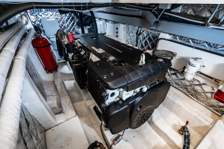 2017 Overblue 58 Powercat Engine Room
