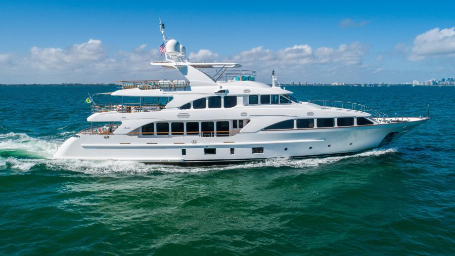 Photo of 121' Benetti 2011