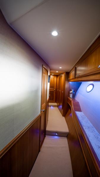 2010 Donzi 80 Convertible - Marlene Sea IV - Companionway