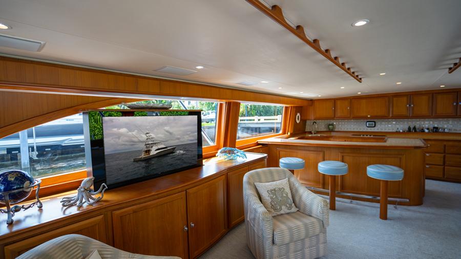 2010 Donzi 80 Convertible - Marlene Sea IV - Salon