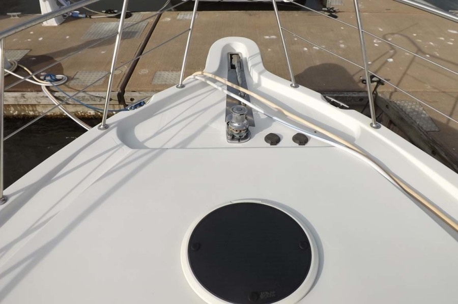 Bow, Foredeck