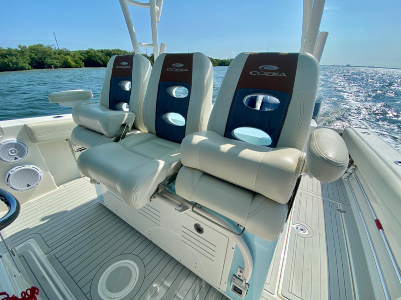 2019 34 Cobia 344 Center Console - Mi-Wave - Helm Seating