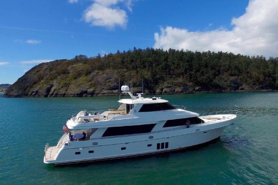 photo of 90' Ocean Alexander 90 Skylounge 2013