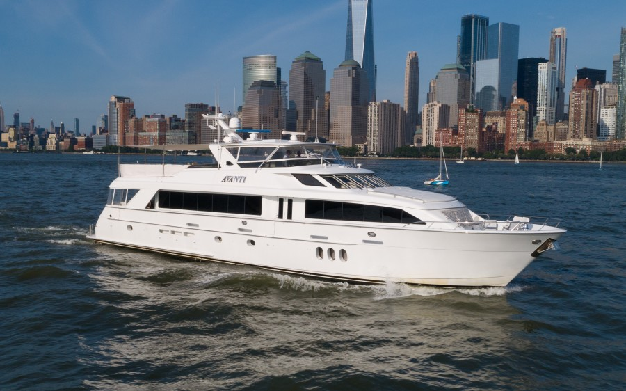 Photo of 100' Hatteras 100 Motor Yacht 2005