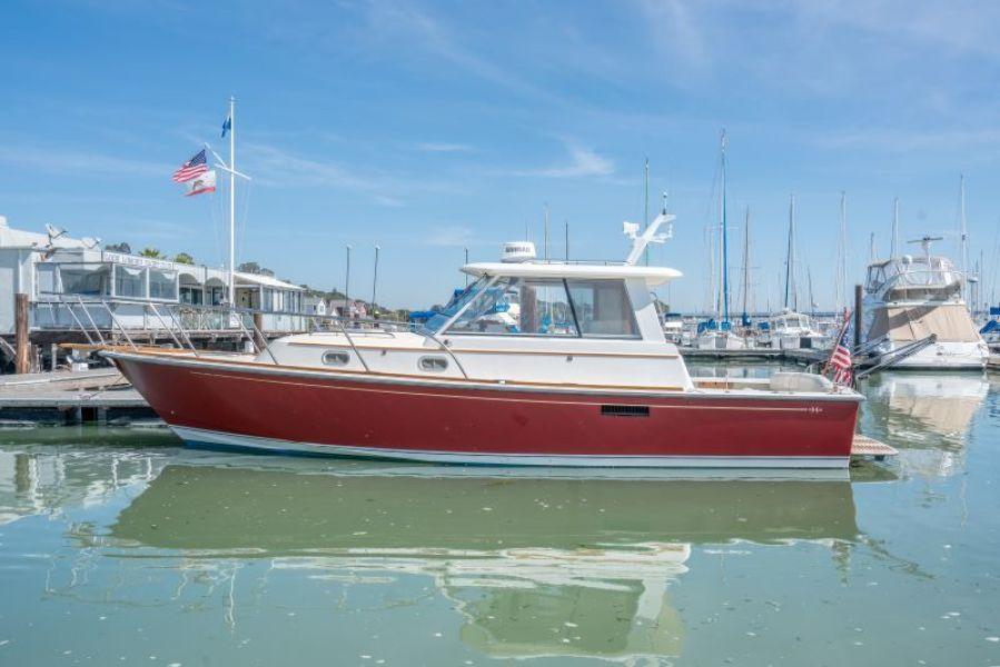 Photo of 33' Hunt Yachts Surfhunter 33 2001