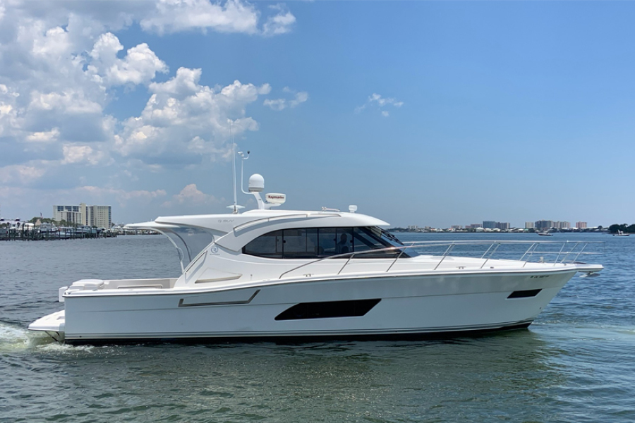 photo of 45' Riviera 445 SUV 2014