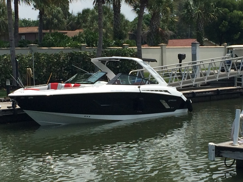 Cruisers-328 Sport 2014 -Morristown-United States-1443397-featured