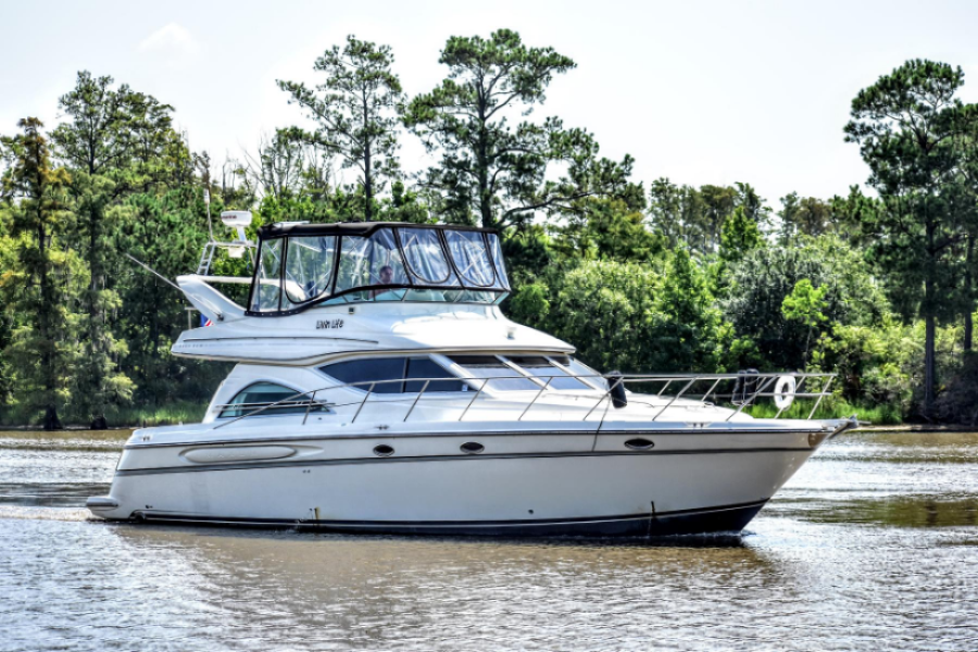 photo of 46' Maxum 4600 Motor Yacht 1999