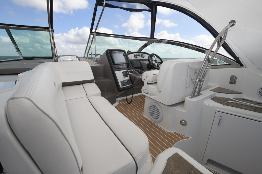 2008 Cruisers 420 Express - Helm and Port Side Seating