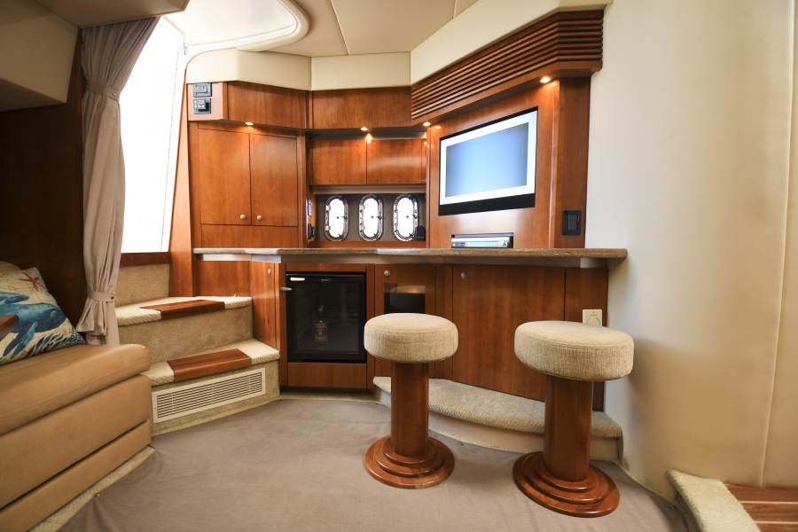 2008 Cruisers 420 Express - Galley