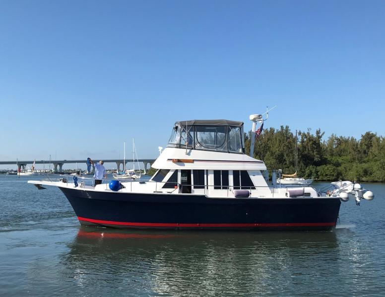 Photo of 43' Mainship 430 2003
