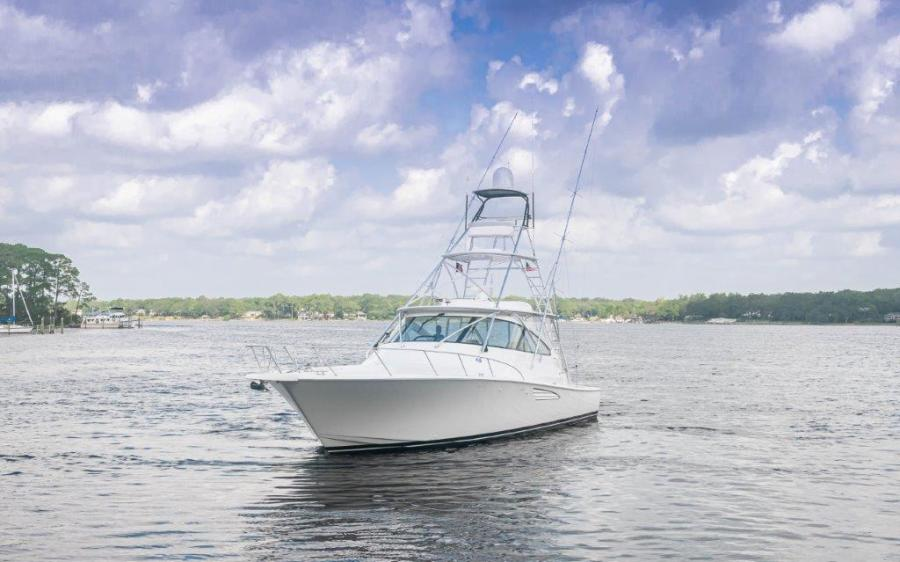 2015 Viking 52 Open Bow