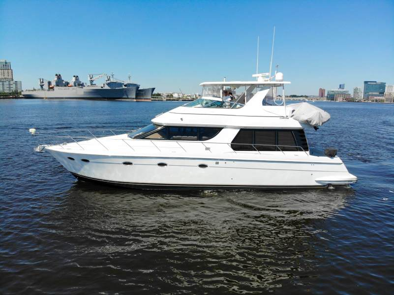 Carver-530 Voyager 2000-Sanctuary Baltimore-Maryland-United States-1453700-featured