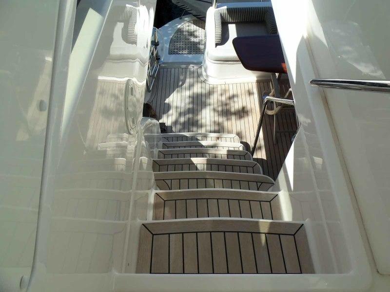 Flybridge Steps From Above