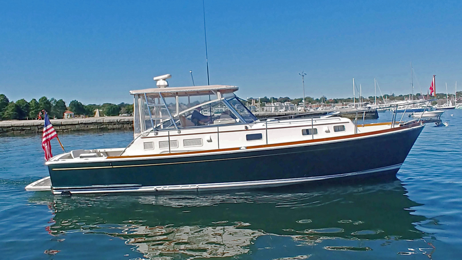 Photo of 38' Eastbay Express 1996
