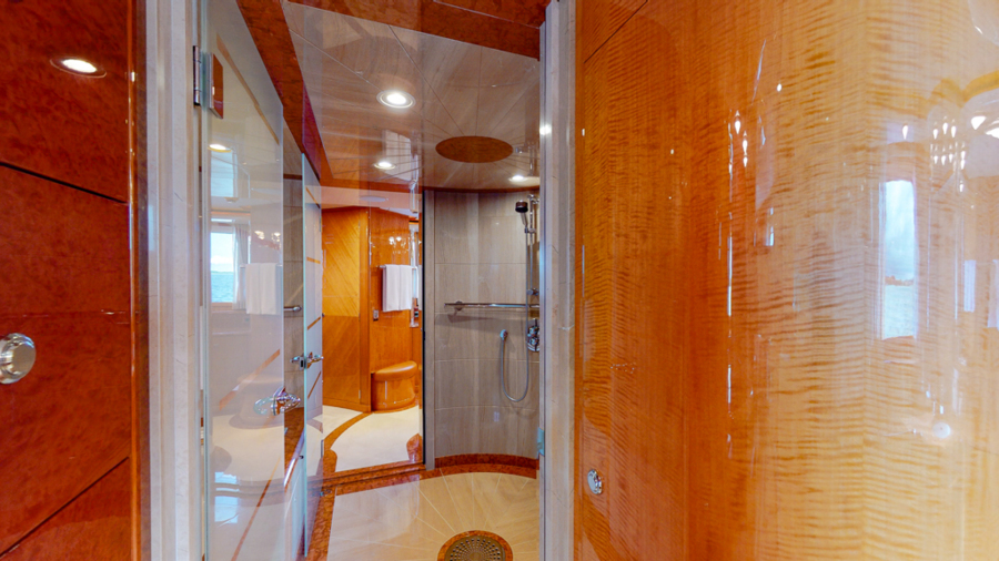 Feadship 153 - EXCELLENCE - Master Head