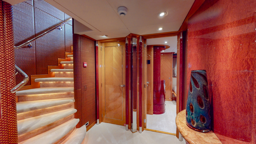 Feadship 153 - EXCELLENCE - Foyer