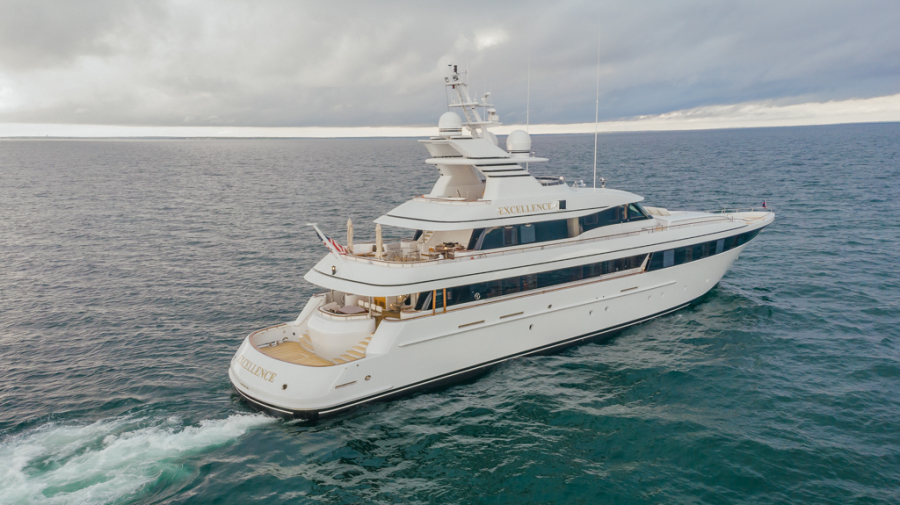 photo of 153' Feadship Fast 2001