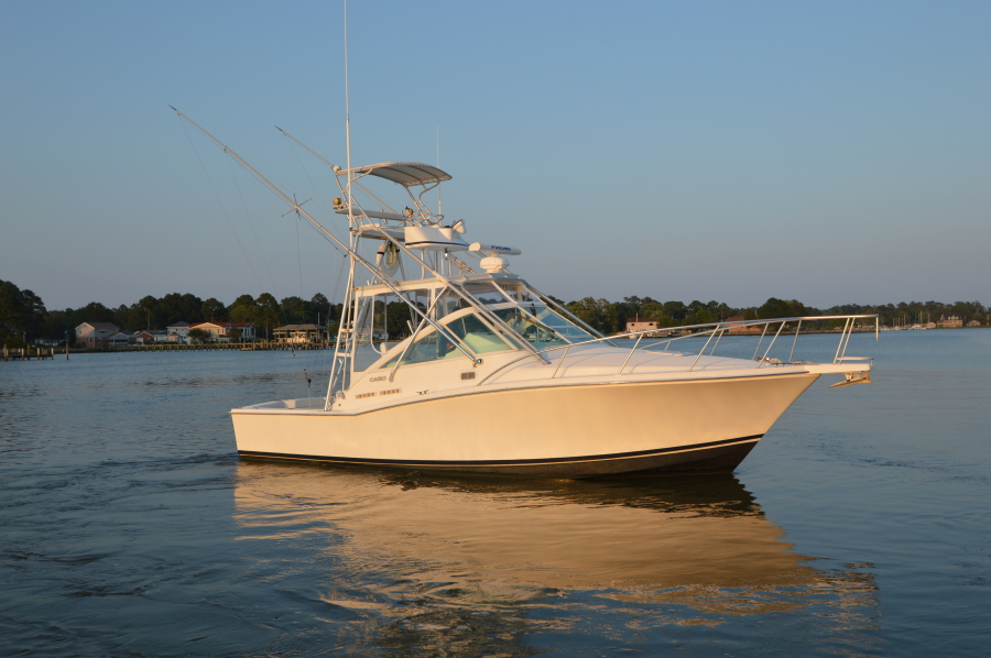 photo of 31' Cabo 31 Express 1998